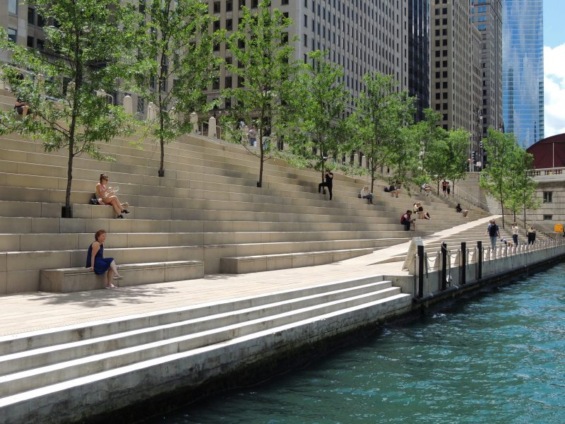 Uma das paradas ao longo do Chicago Riverwalk.