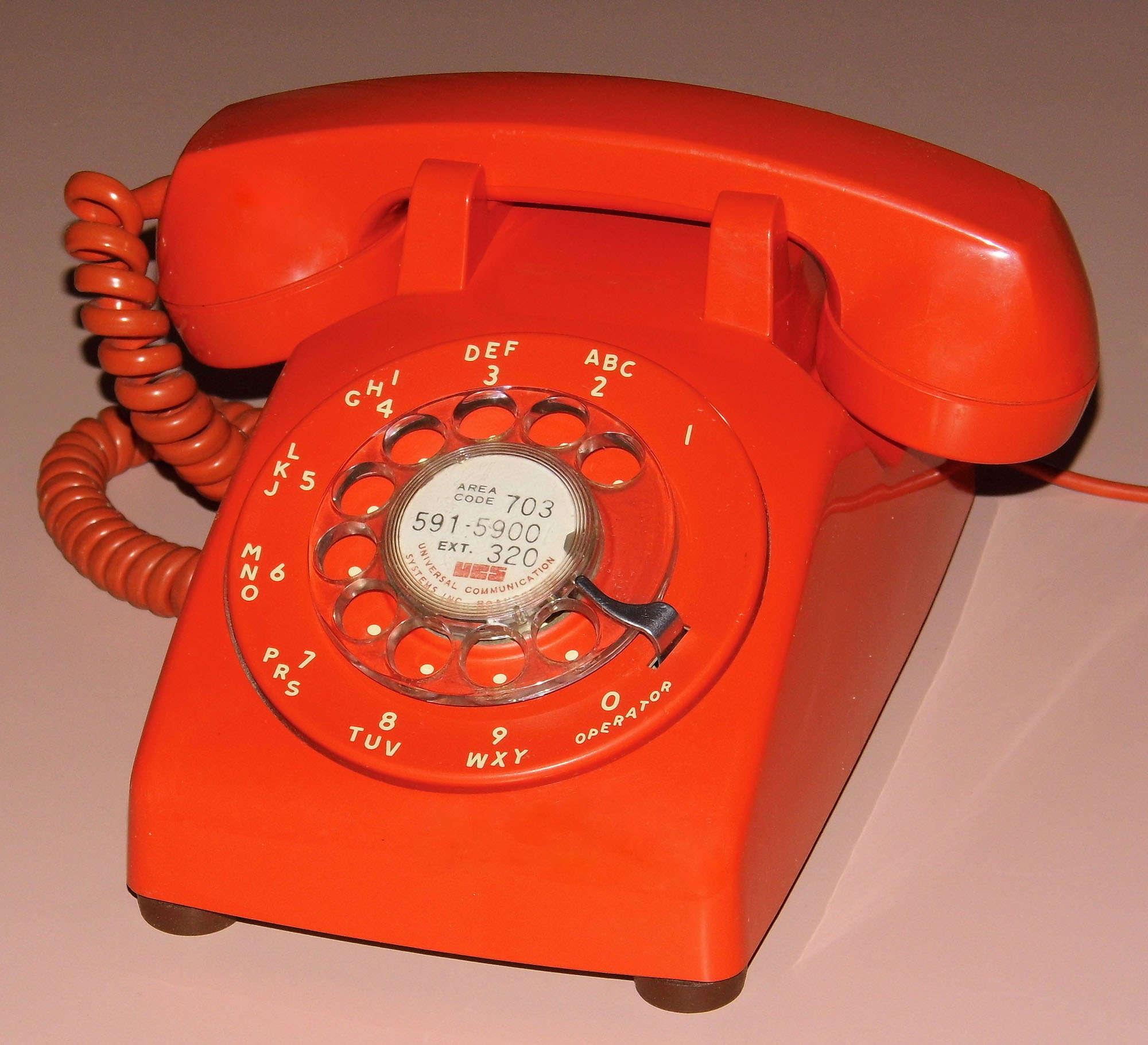 Joe Haupt | FLICKR | CC | Vintage Stromberg Carlson Rotary Dial Telephone - Model SC500D